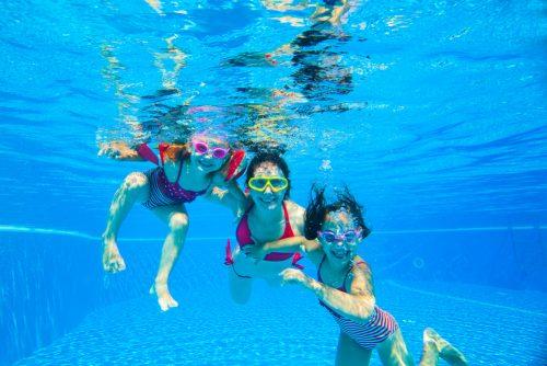 Beneficios de nadar con tus hijos